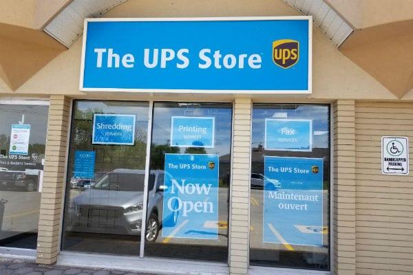 The UPS Store #535, Saint Boniface
